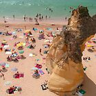 Albufeira beach by Tom Gomez