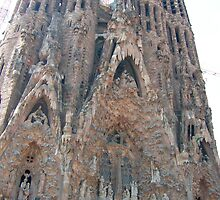 Sagrada Familia II by Tom Gomez