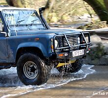 Land-Rover by Jem Fade