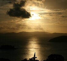 Sunset on Hamilton Island by GabM