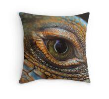 Iguana eye Throw Pillow