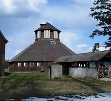 Octagonal Dairy Barn, Fintry Estate by Gregory Ewanowich