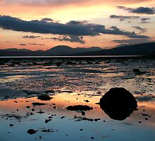 Cardross Sunset by Linda  Morrison