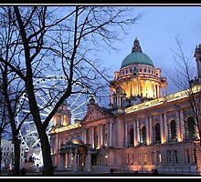 Belfast City Hall ... by SNAPPYDAVE
