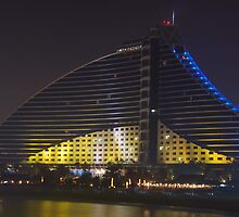 Jumeirah Beach Hotel by Peter Green