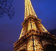 Eifel Tower at dusk by Alihogg