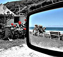Reflections of a beach day... by Simone Bazley