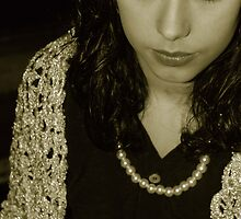 40's: Girl in sepia by dyanera