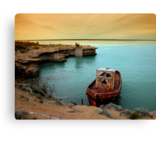 rusty boat.. Canvas Print