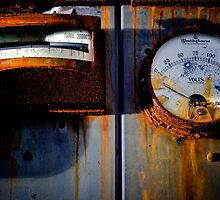 Rusty Gauges by HouseofSixCats