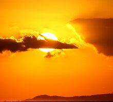 Sunrise over Moreton by bribiedamo