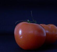Tomatoes by Rowan  Lewgalon