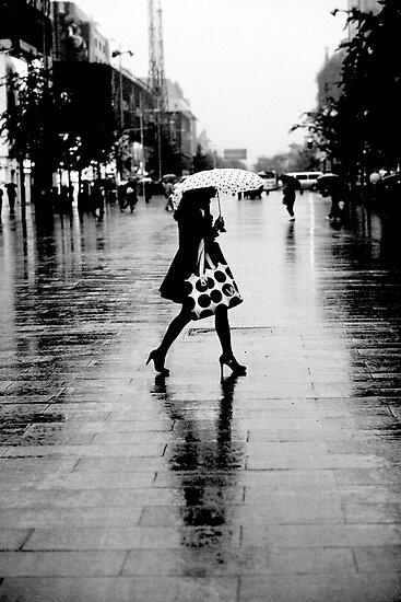 Rainy street, B&W by maka1967