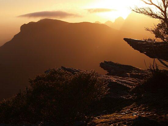 Bluff Knoll Sunrise by Stephen  Williams