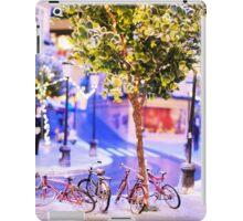 Mini-Streets: Double Bicycles iPad Case/Skin