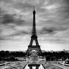 Tour Eiffel by Simon Laird