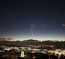 Comet McNaught over Australia's capital city, Canberra by Anthony Caffery
