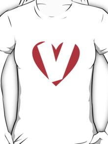 I love V - Heart V - Heart with letter V T-Shirt