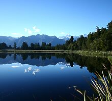 mirror lake by jameswalker