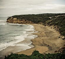 Bells Beach, Victoria by Kelly McGill