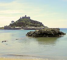 Incoming Tide at Marazion by snurfdood