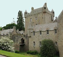 Cawdor Castle by jacqi