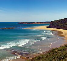 Southside, Bells Beach. Great Ocean Road, Australia by Andy Berry