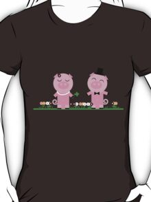 lucky pigs  T-Shirt