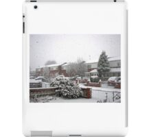 Falling Thick and Fast -  Winter Street Scene iPad Case/Skin