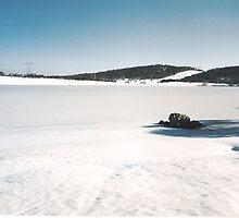 Three Mile Dam (Kosciuszko National Park) in mid-winter. by eucumbene