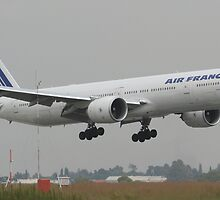 Air France B-777 Finals by Paul Lindenberg