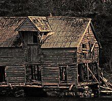 Boathouse by Per E. Gunnarsen