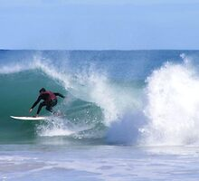 Racing the barrell at Mullaloo by gamo