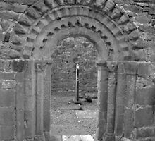 Dysart O Dea arch in black and white by John Quinn