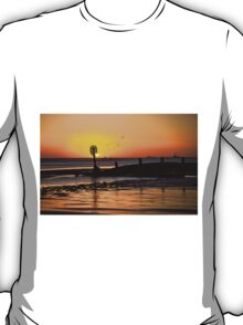 Ships on the horizon T-Shirt