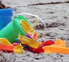 beach bucket & toys by TowerOne
