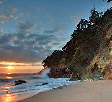 Homunga Bay, Sunrise Waterfall. by Ken Wright