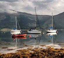 Loch Leven by Linda  Morrison