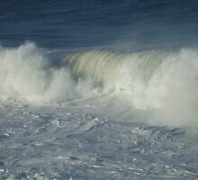 Wave break by Gracie Townsend
