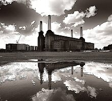 Battersea power station 2 by mistertof