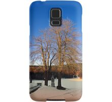 Cross with guardian trees in winter wonderland | landscape photography Samsung Galaxy Case/Skin