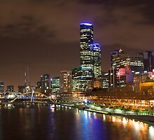 Melbourne at night by iPhotograph