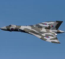 Vulcan Bomber by Graeme  Hunt