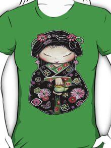 Little Green Teapot for colour  T-Shirt