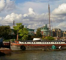 Thames Barge by InterestingImag