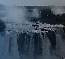 iguazu falls by MolokoVoltaire