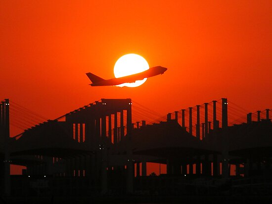 747 Sunset Take-Off by Graham Taylor