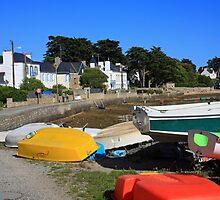 www.lizgarnett.com - Boats at Larmor Baden 2 by Liz Garnett