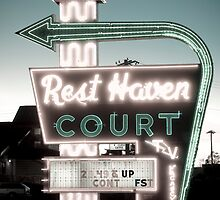 Rest Haven Court Motel. (Alan Copson © 2007) by Alan Copson
