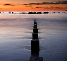 Groynes by Graham  Cormie